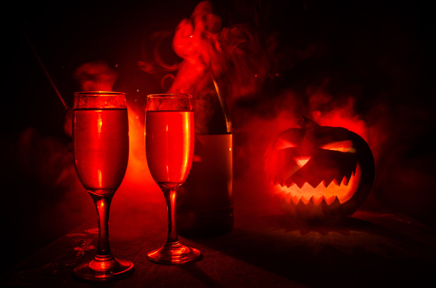 Sip some wine and carve a pumpkin at one of the events taking place near the Comfort Suites' accommodations in Kelowna this Halloween.